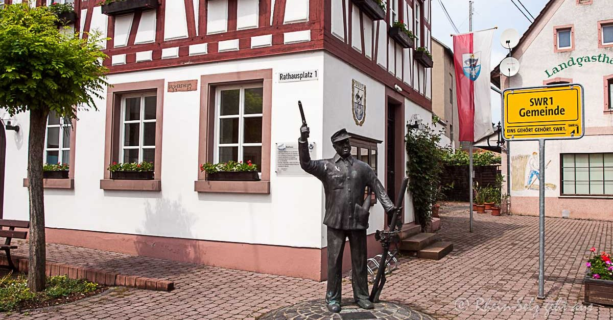 Rathaus-Uelversheim